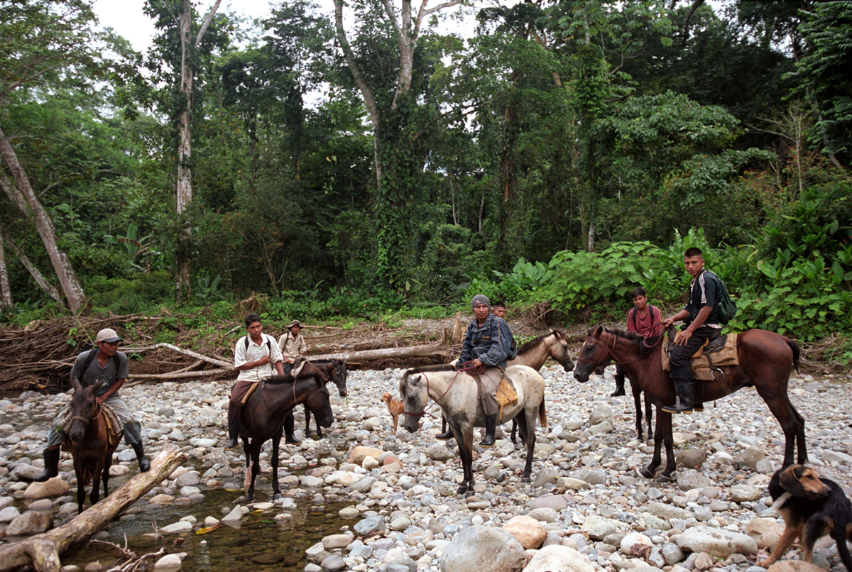 Embera hunters, Come Gallina, Panama, 2007.